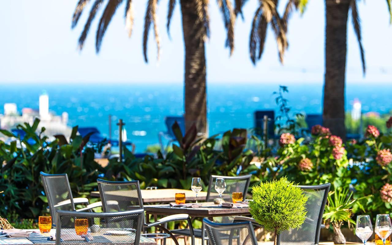 Terrace of restaurant - hotel perpignan