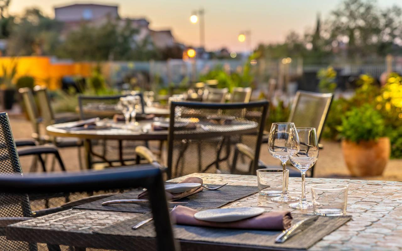 table on the restaurant terrace - restaurant port vendres