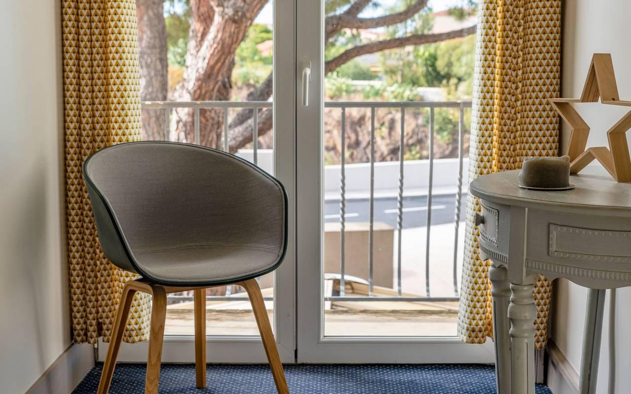 Décoration d'une chambre d'hôtel - hotel luxe port vendres